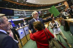 """""""Honom ska jag ha!"""" Canete värvar svenskt till sitt kabinett FOTO © European Union 2014 - EP"""